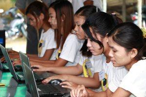 girls-mgawe-tech