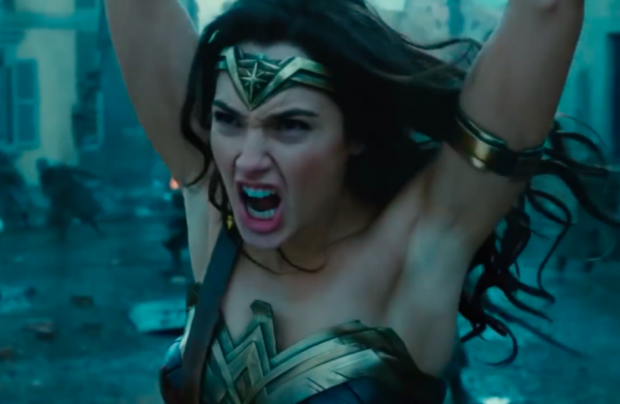 1489691553Wonder_Woman_armpit