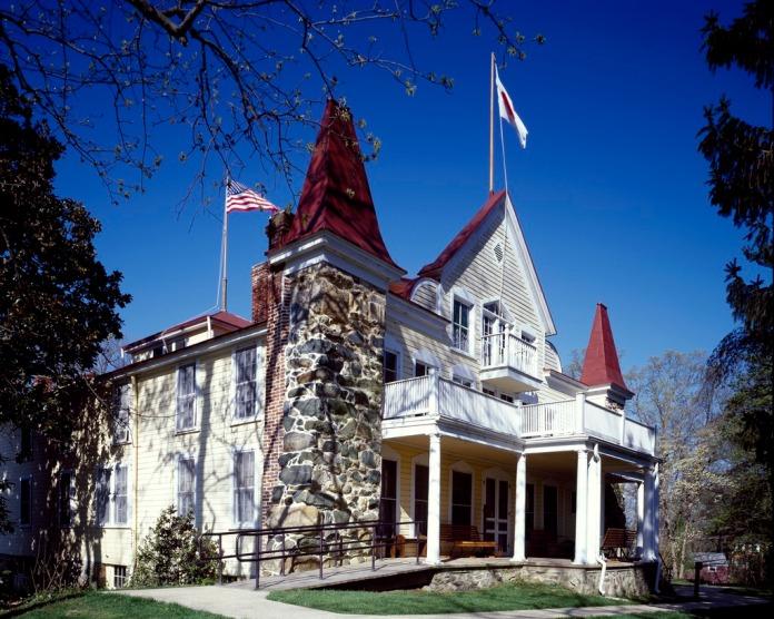 Clara_Barton's_Home,_Glen_Echo,_Maryland_LCCN2011631520.tif
