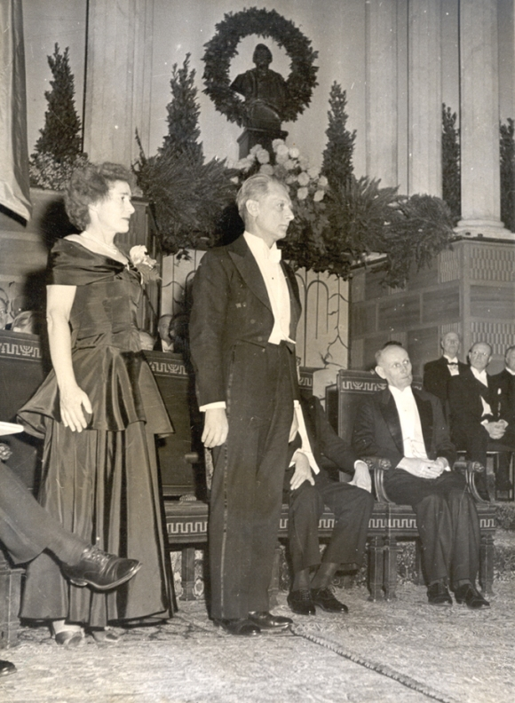 Gerty_and_Carl_Cori_at_the_Nobel_Prize
